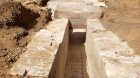 اكتشاف بقايا هرم جديد في مصر