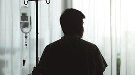 مرضى السرطان يواجهون تأخرًا في العلاج وحالةً من الضبابية مع استحواذ فيروس كورونا المُستجد على اهتمام المستشفيات