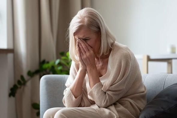 فقدان شريك الحياة يعزز احتمالات الإصابة بألزهايمر
