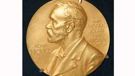 """علماء """"الأمواج الثقالية"""" يحصدون جائزة نوبل في الفيزياء"""