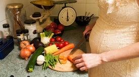 النظام الغذائي للمرأة الحامل يؤثر على وزن الطفل حتى فترة المراهقة
