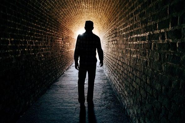أدلة جديدة تساعد على فهم تجربة الاقتراب من الموت للع لم