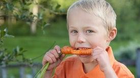 """الغذاء الصحي """"مفتاح سحري"""" لسعادة الأطفال"""