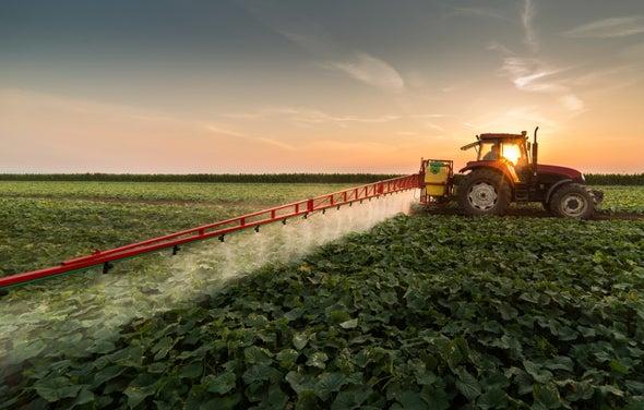 المبيداتُ الحشرية تُدمِّر التربة حول العالم
