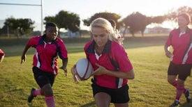 الرياضات التصادمية تصيب اللاعبات بتغيرات في المخ
