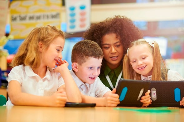 ألعاب الأطفال الإلكترونية يجب أن تراعي اختيارات الآباء أيض ا للع لم
