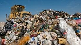 الخيمياء الجديدة: تحويل البلاستيك إلى هيدروجين