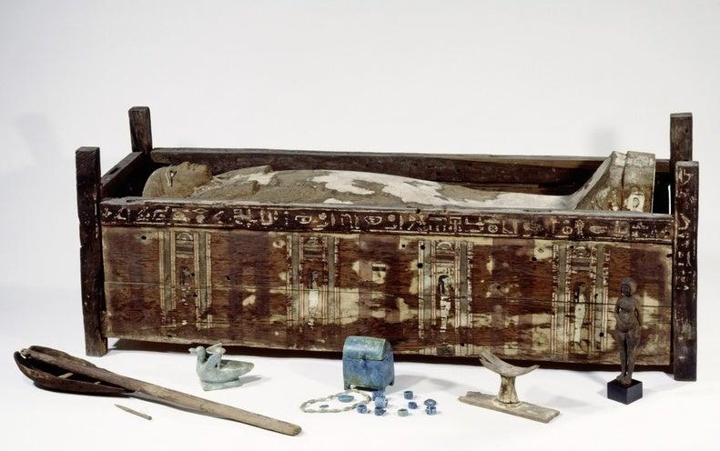 """المصريون لا يشبهون """"قدماء المصريين"""""""