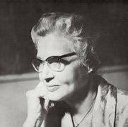 هيلين توسيج صاحبة أول تدخل جراحي ناجح لعلاج متلازمة الطفل الأزرق