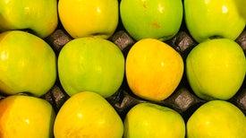 في نشرة العلوم..التفاح يساعد على إنتاجِ خلايا دماغية جديدة