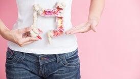 الجرعات العالية من فيتامين «د» تكافح الإصابة بسرطاني القولون والمستقيم