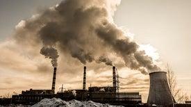 «التبايُن العرقي» و«التفاوُت الطبقي» يزيدان مخاطر محطات توليد الكهرباء على صحة البشر