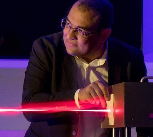 عالِم مصري يستهدف تطوير كاميرا المجهر الإلكتروني لتصبح أسرع 1000 مرة