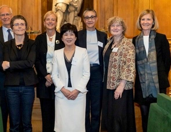 """جوائز """"لوريال-يونسكو"""" للنساء في العلوم تجوب 5 قارات"""