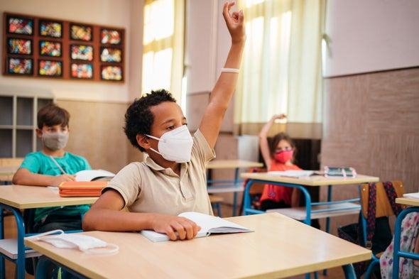 أحدث الأدلة تفيد بأنه يمكن للمدارس أن تفتح أبوابها بأمان في أثناء جائحة كوفيد