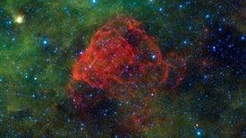 نجوم الكون الأولى انفجرت بطرق غريبة