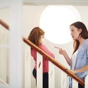 المعاملة السيئة للأمهات في العمل تجعلهن أكثر سلطوية