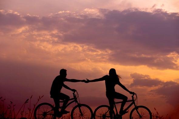 """في نشرة العلوم: عرقلة """"هرمون الحب"""" يقي من أمراض القلب"""