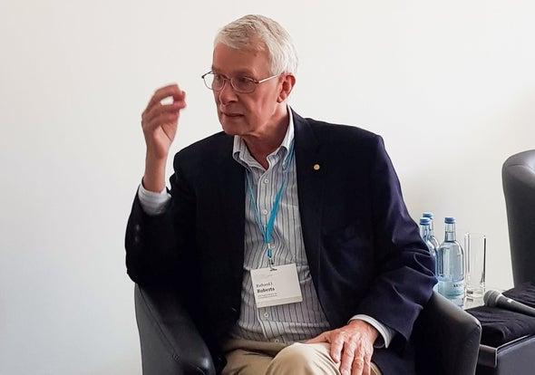 ريتشارد روبرتس.. حُب حل الألغاز قد يقود إلى نوبل!