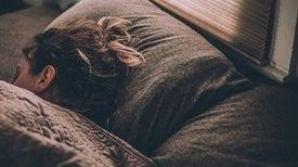 النوم ليلًا يحمي من أمراض القلب
