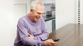 الهواتف الذكية تقلل حدة الاكتئاب لدى مرضى «الشلل الرعاش»
