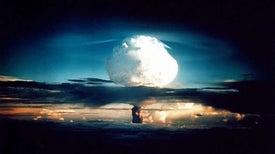 التجارب النووية.. العلم أصل الداء ودواؤه