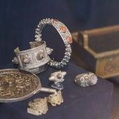 مجموعة من أدوات الزينة