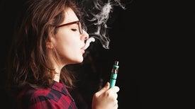 مسؤولة صحيّة أمريكيّة تعبِّر عن قلقها لارتفاع نسب تدخين السجائر الإلكترونيّة بين المراهقين