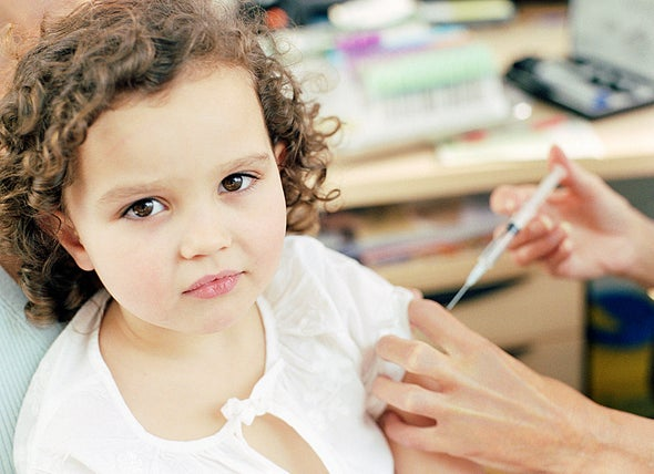 """المخاوف الأسرية تطارد """"تطعيمات الأطفال"""""""