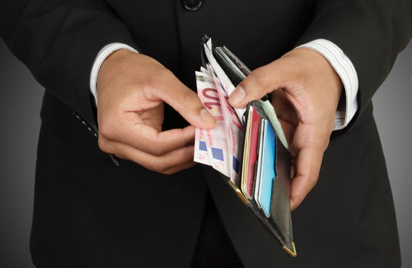الأغنياء يرفضون إعادة توزيع ثرواتهم تحقيقًا للعدالة الاجتماعية