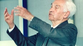 إرنست والتر ماير...الرجل الذي حول عشقه للطيور إلى مهنة
