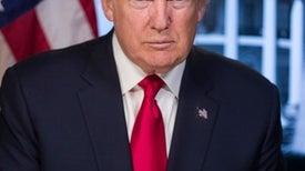 إصابة ترامب بكورونا تدفع العلم إلى صدارة مشهد الانتخابات الرئاسية الأمريكية
