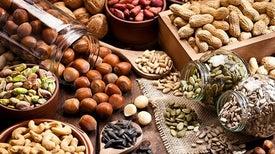 المكسرات تقلل احتمالات إصابة مرضى «السكري» بأزمات قلبية