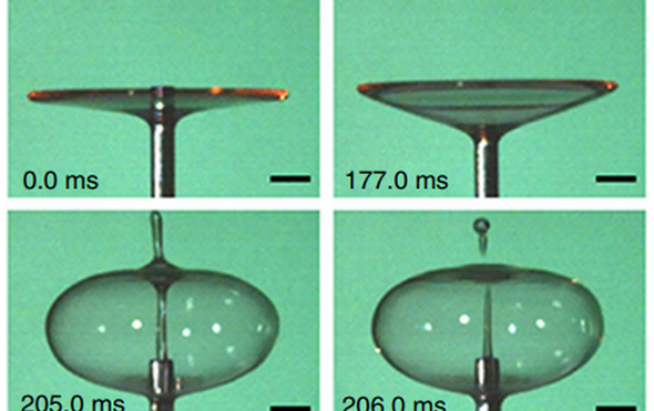 باحثون يبتكرون طريقة لتكوين فقاعة من قطرة ماء