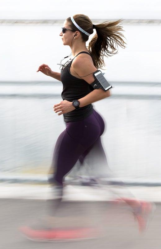 أجهزة رصد اللياقة البدنية تتنبأ بأمراض القلب