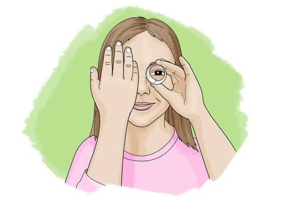 هل ترى ثقبًا في يدك؟