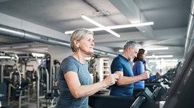 برامج إعادة تأهيل القلب تفيد كبار السن بدنيًّا ونفسيًّا