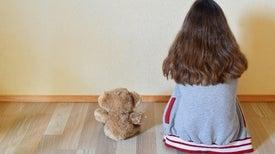 الأطفال المصابون بالتوحد بارعون في التواصل مع أمهاتهم