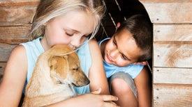 مع الحيوانات الأليفة... الأطفال أكثر سعادة!