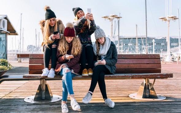 المراهقات أكثر عرضةً للضرر النفسي بسبب وسائل التواصل الاجتماعي