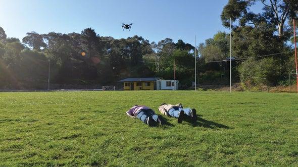 البحث عن الأحياء والأموات بعين الطائرات بدون طيار