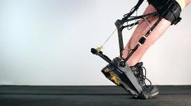 هيكل خارجي روبوتي يتكيَّف مع مرتديه