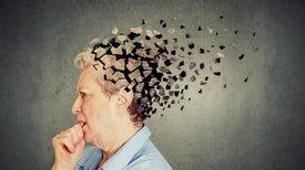 تكتلات بروتين «تاو» في الدماغ تتنبأ باحتمالات الإصابة بـ«ألزهايمر»