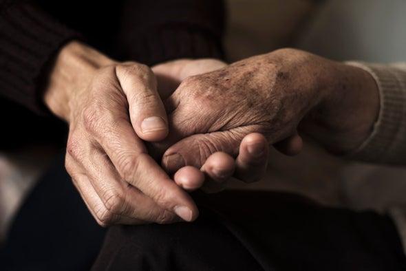 كيف يساعد مدربو نهاية العمر المُقبِلين على الموت في اجتياز آخر محطات الحياة