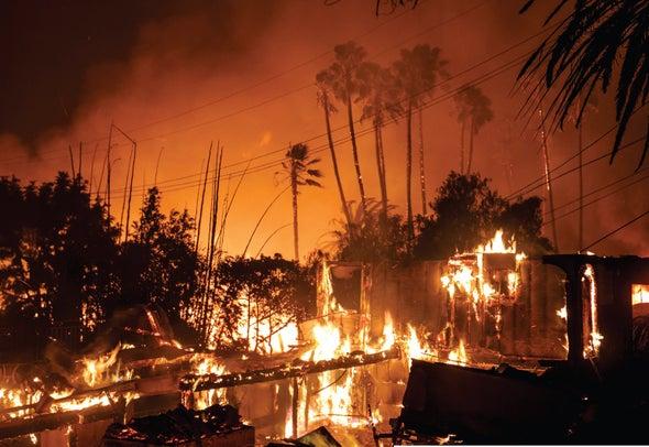العيش على الحافة: تُشكِّل الحرائق المدمرة خطرًا متناميًا على المنازل المبنية بالقرب من المناطق البرية