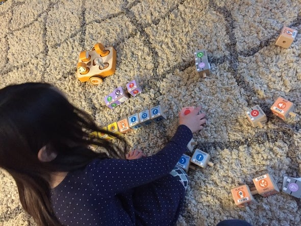 Connecting Kindergartners and Coding without a Screen in the World of Unstructured Play