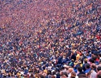 Crowds versus company: When are we drawn to groups?