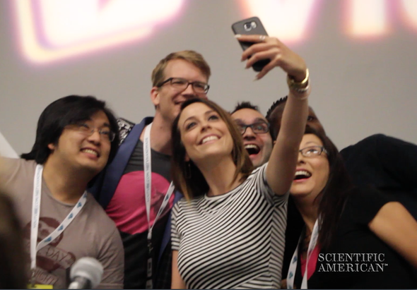 YouTube's Rock Stars of Science Make a Splash at VidCon