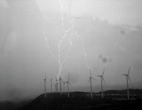 "Wind Turbines Generate ""Upside-Down"" Lightning [Video]"