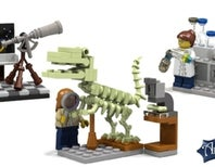 LEGO to Produce Female Scientist Minifigure Set